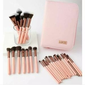Luxie Rose Gold 30pc Makeup Brushes